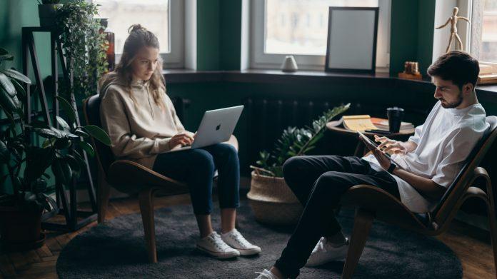 Does Incentivizing Employee Performance Increase Productivity?