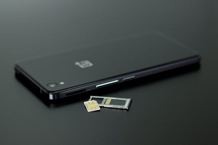 Dual SIM cards – Striking balance between work & pleasure
