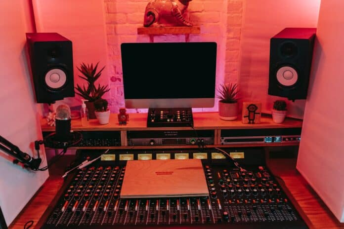 4 Important Lessons On How To Boost Your Sound System At Home